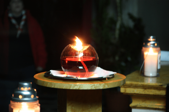 Pontenure: lampada di Betlemme