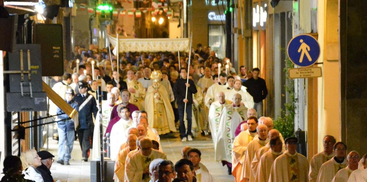 Solennità del Corpus Domini: messa con il Vescovo e processione
