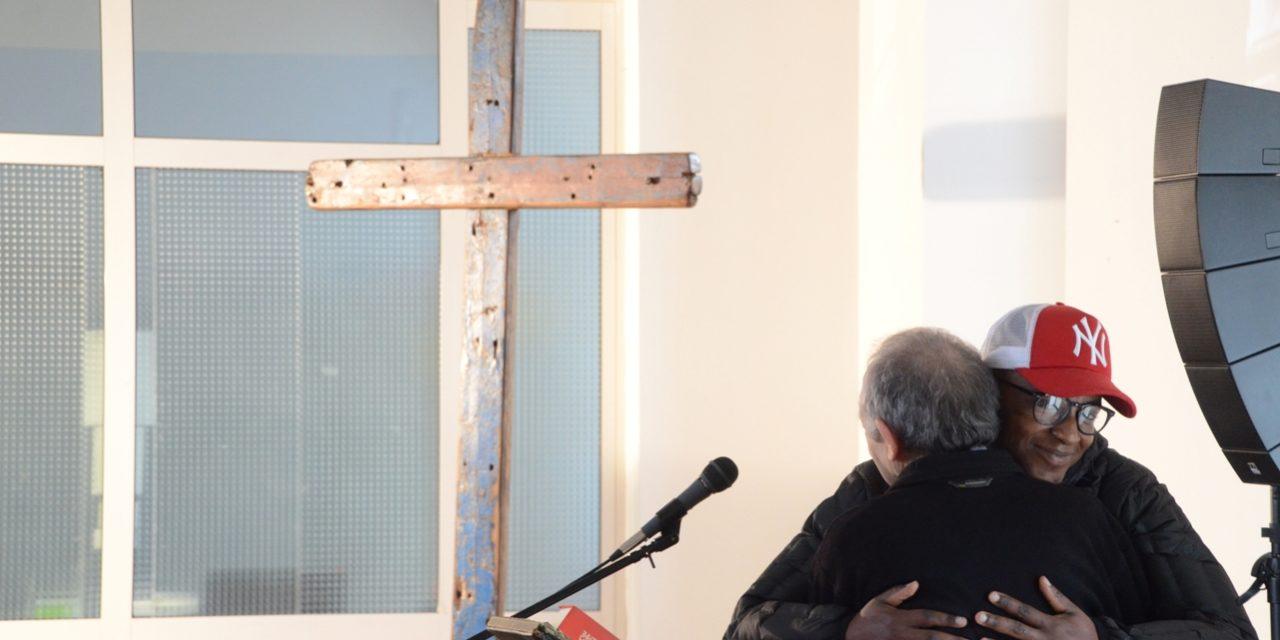 """""""Attraverso"""": la croce di Lampedusa racconta Piacenza"""
