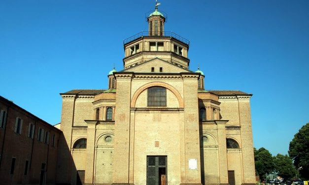 Alle 20.30 (anziché 18.30) trasmettiamo il Rosario con il Vescovo da S. Maria di Campagna