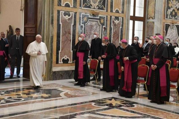 Papa Francesco: la Chiesa italiana avvii il suo cammino sinodale